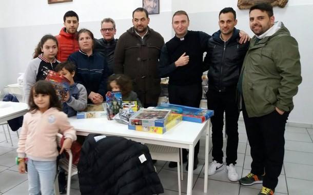 Quando Sport e Solidarietà vanno a braccetto, donati giocattoli ai bambini ospitati dalla Caritas di Aversa e a quelli del Rione San Lorenzo a Casaluce