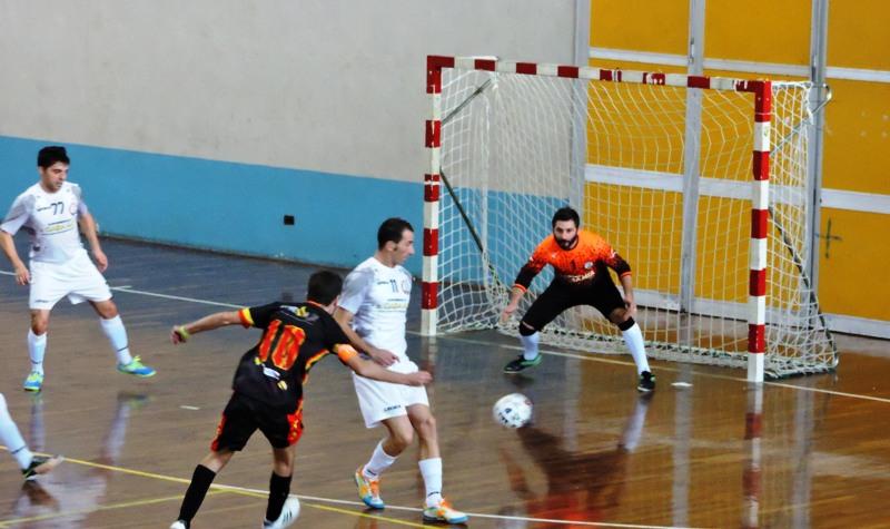 Aquino sfiora il gol