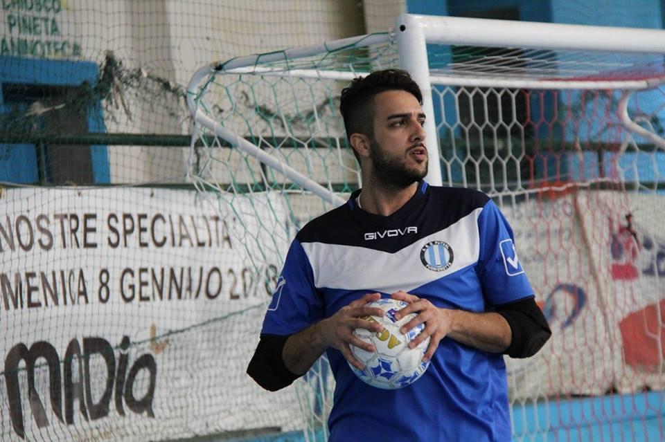 Daniele Torre con la casacca del Futsal Fuorigrotta