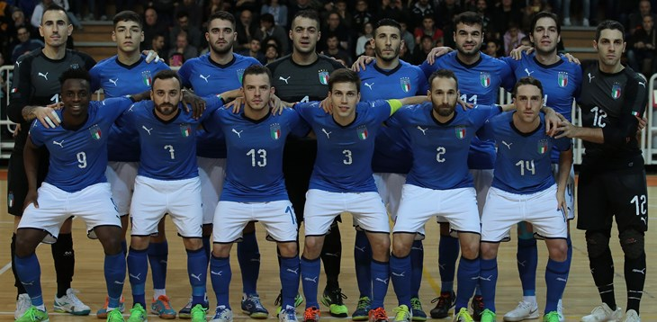 ASTI, ITALY - DECEMBER 04:  Italy team line up prior to the Futsal International Friendly match between Italy and France on December 4, 2018 in Asti, Italy.  (Photo by Emilio Andreoli/Getty Images)