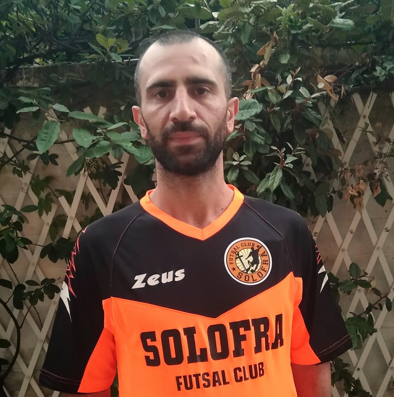 Emiliano Nicodemo con la nuova maglia del Futsal Club Solofra