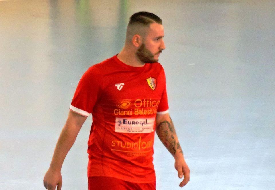 Claudio Virenti con la maglia del Benevento 5