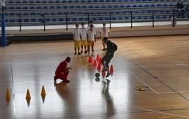 Futsal Giugliano, l'U19 e l'U17 non rinunciano agli allenamenti da casa: in futuro il sogno è la D