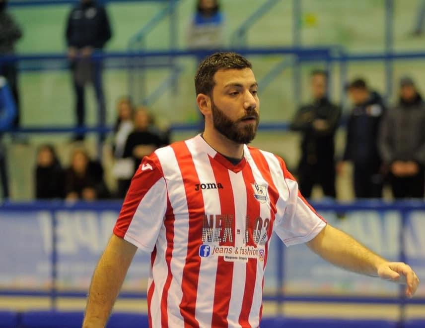 Francesco Sarnataro con la maglia dell'Atletico Chiaiano
