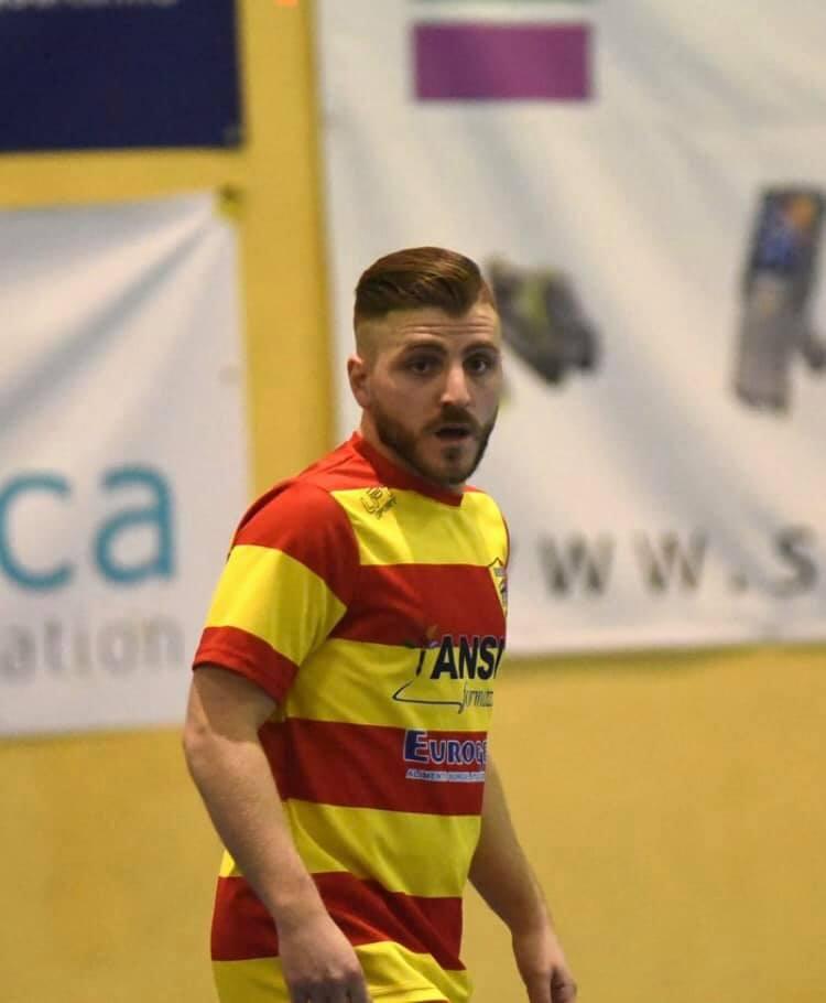 Uno scatto di Simone Ferrara con la maglia del Benevento 5